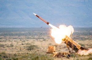 في أقل من أسبوع.. السعودية تعترض ثالث صاروخ باليستي حوثي