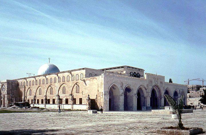 """""""إسرائيل"""" تمنع أعمال الترميم داخل المسجد الأقصى""""إسرائيل"""" تمنع أعمال الترميم داخل المسجد الأقصى"""