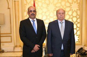 لهذه الأسباب.. ضغوط إماراتية سعودية على الرئيس اليمني لإقالة وزير الداخلية