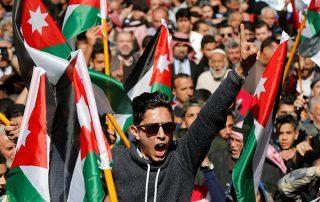 لهذا السبب.. المظاهرات تجتاح شوارع الأردن