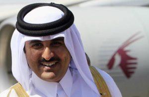 """الإمارات تعتقل كويتيًا لوجود صورة الأمير """"تميم"""" على هاتفه"""