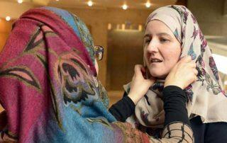افتتاح معبد هندوسي في أبو ظبي.. لماذا تسعى الإمارات لاسترضاء الهندوس؟