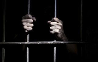 مركز حقوقي دولي: سجناء الرأي في الإمارات يتعرضون للبرد الشديد
