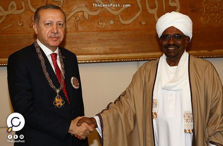 """دورية فرنسية: استياء """"البشير"""" من السعودية يدفعه لقطر وتركيا"""