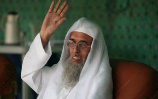 """أنباء عن وفاة الداعية السعودي """"سفر الحوالي"""" في محبسه"""