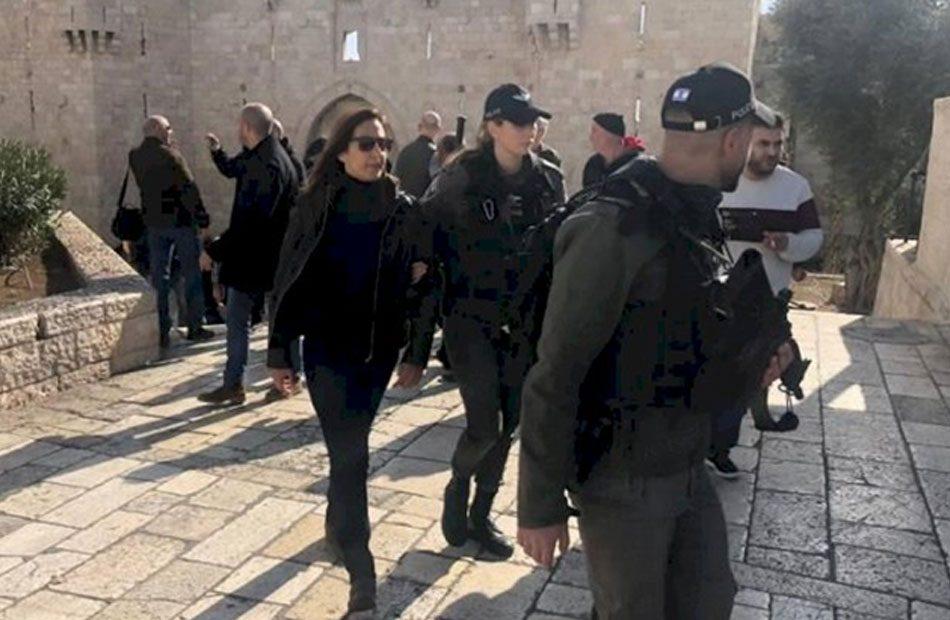 إفراج-مشروط-عن-طاقم-تلفزيون-فلسطين-بعد-توقيف-إسرائيل-لهم000