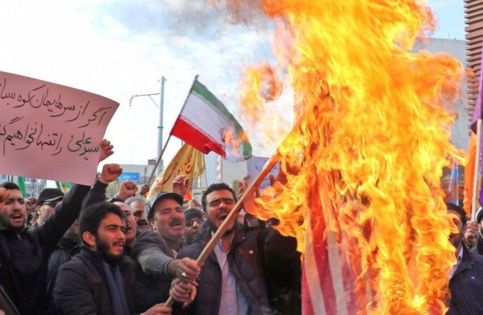 إيران-قطع-شبكة-الإنترنت-عشية-إحياء-ذكرى-قتلى-الاحتجاجات
