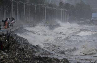 الفلبين-مقتل-16-شخصا-على-الأقل-بسبب-إعصار-فانون
