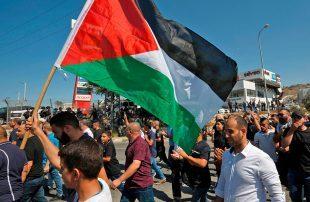 بالمماطلة-والتهرب-من-الانتخابات-الفلسطينية