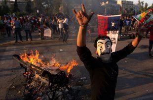 تظاهرات-وأعمال-شغب-واسعة-في-تشيلي