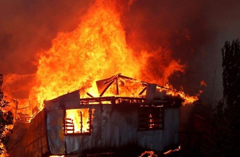 حريق-بلتهم-245-منزلا-في-مدينة-فالباريزو-التشيلية