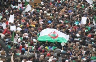 كيف-سيكون-مستقبل-الحراك-الجزائري-بعد-وفاة-قايد-صالح