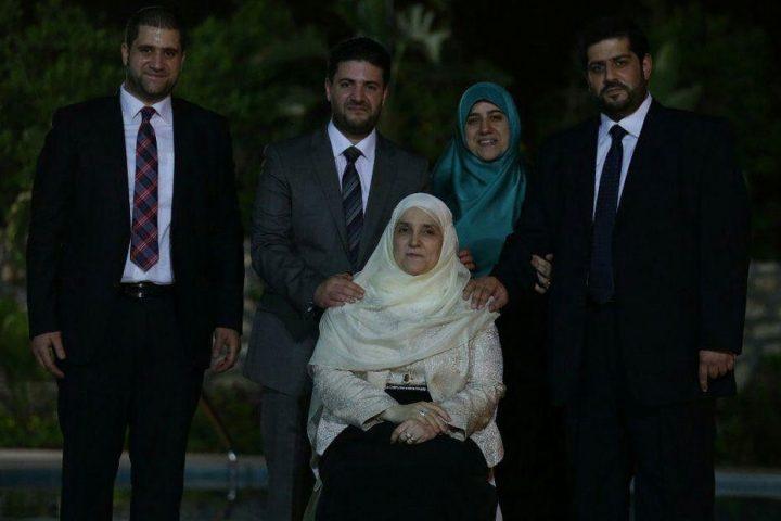 أسرة-الرئيس-مرسي-تنعي-السلطان-قابوس-لقد-أحسن-عزاءنا