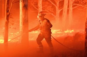 إستراليا-تستدعي-ثلاثة-آلاف-جندي-وتعلن-التعبئة-غير-المسبوقة-بسبب-الحرائق