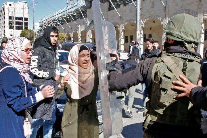 الاحتلال-الإسرائيلي-يعتقل-5-فلسطينيات-من-باحات-المسجد-الأقصى