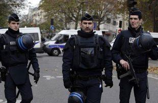الشرطة-الفرنسية-تجلي-مهاجرين-من-مخيم-غير-قانوني-شمال-باريس