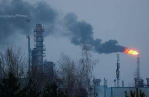 النفط-يصعد-إلى-أعلى-مستوياته-بعد-الهجوم-الإيراني-على-القاعدة-الأمريكية