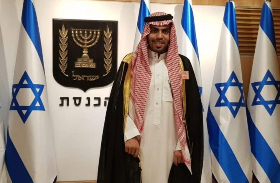 مجلة-يهودية-تجري-حوارا-مع-مطبع-سعودي-في-منزله-بالرياض