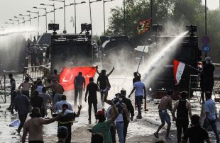 مقتل-3-متظاهرين-في-مواجهات-مع-الأمن-بمحافظة-ذي-قار