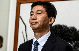 ممثل-الحكومة-المركزية-الصينية-في-هونغ-كونغ-يدعو-للعودة-إلى-المسار-الصحيح