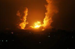 إسرائيل-تقصف-أهدافًا-فلسطينية-جنوبي-غزة
