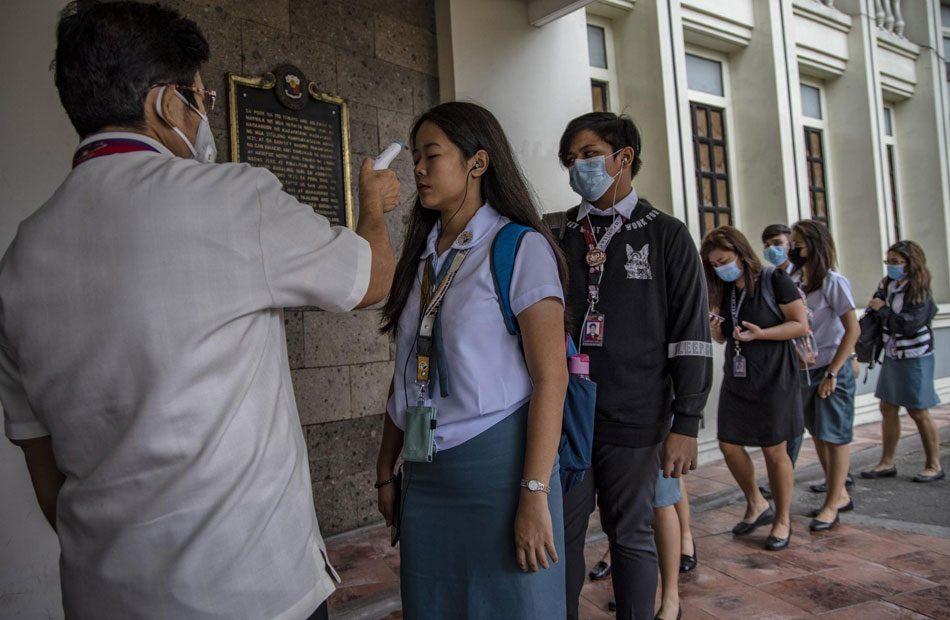 إغلاق-مزيد-من-المدن-الصينية-مع-ارتفاع-ضحايا-فيروس-كورونا