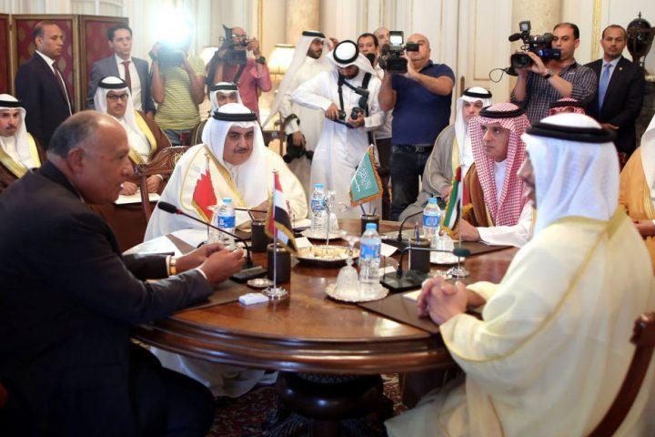 السعودية-ومصر-يستئنفان-الخدمات-البريدية-مع-قطر.jpg