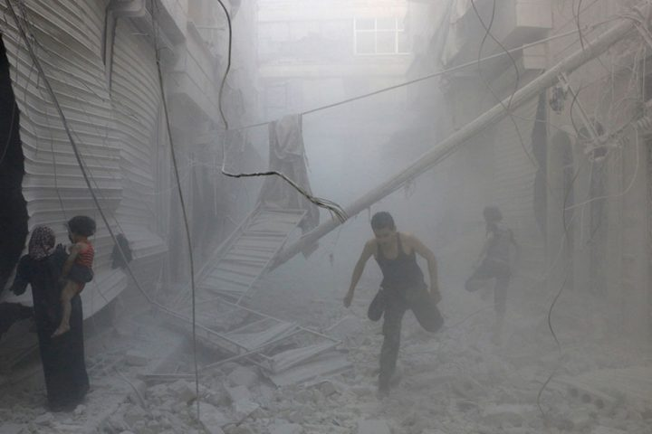 بعدما-حولها-إلى-مدينة-أشباح-الأسد-يهنئ-أهل-حلب-بمناسبة-سيطرته-عليها.jpg