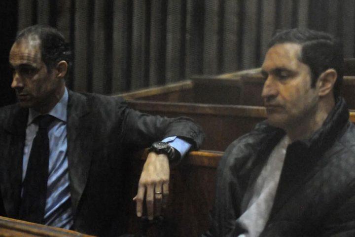 جنايات-القاهرة-تقضي-ببراءة-علاء-وجمال-مبارك-في-قضية-التلاعب-في-البورصة.jpg