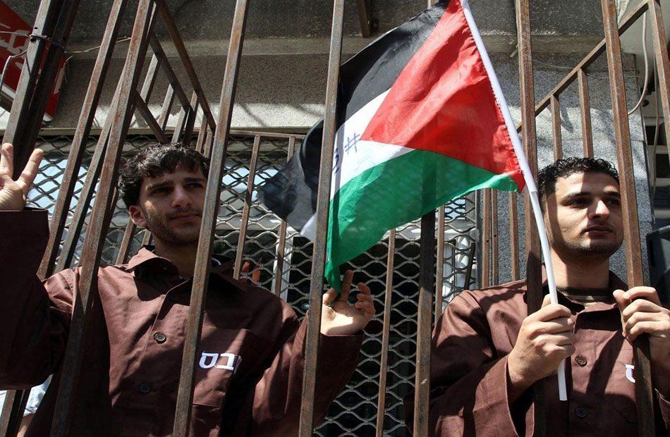 احتجاجات-في-سجون-إسرائيل-بعد-منعها-مواد-تعقيم-عن-المعتقلين-الفلسطينيين.jpg