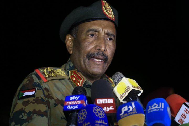البرهان-يخطط-لإعادة-هيكلة-الجيش-السوداني-وقوات-الدعم-السريع.jpg