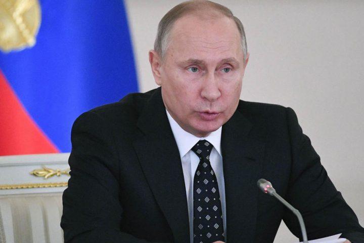بوتين-يوقع-تعديلات-بالدستور-تمكنه-من-البقاء-في-الحكم-حتى-2036.jpg