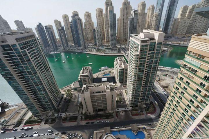 انتحار أشهر رجل أعمال هندي في دب