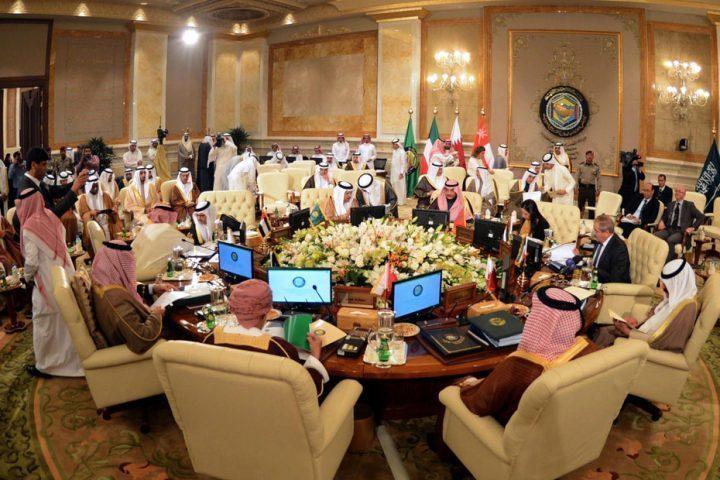 خوفًا-من-كورونا-صحة-الخليج-يناقشون-الأزمة-عبر-فيديو-كونفران.jpg