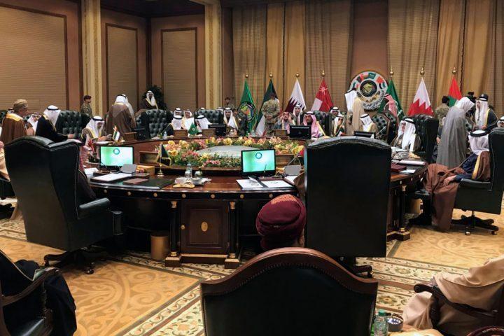 للمرة-الأولى-..-كورونا-يجمع-قطر-بدول-الحصار-في-اجتماع-طارئ.jpg