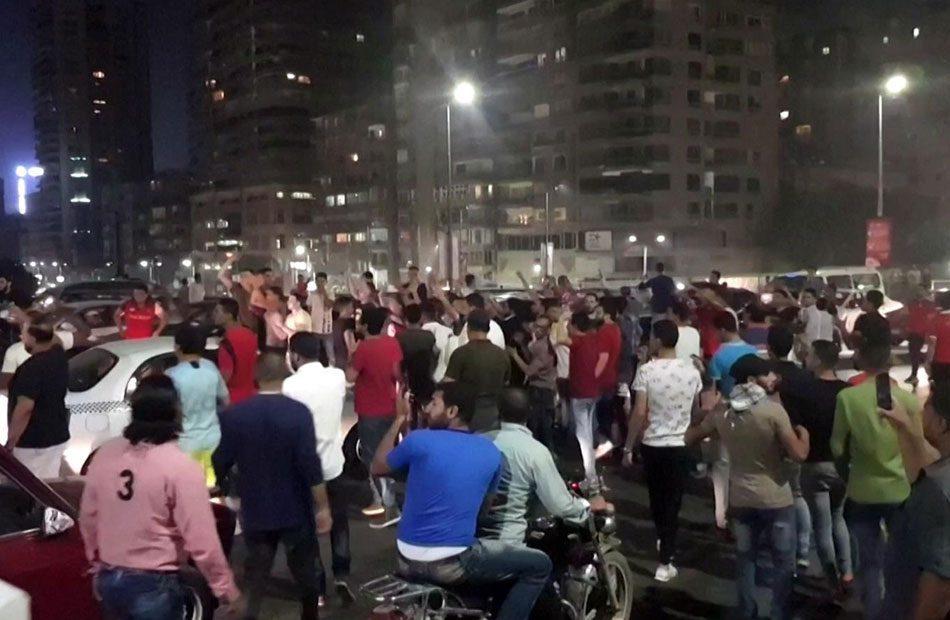 مشهد غريب .. مسيرات ضد كورونا في الأسكندرية