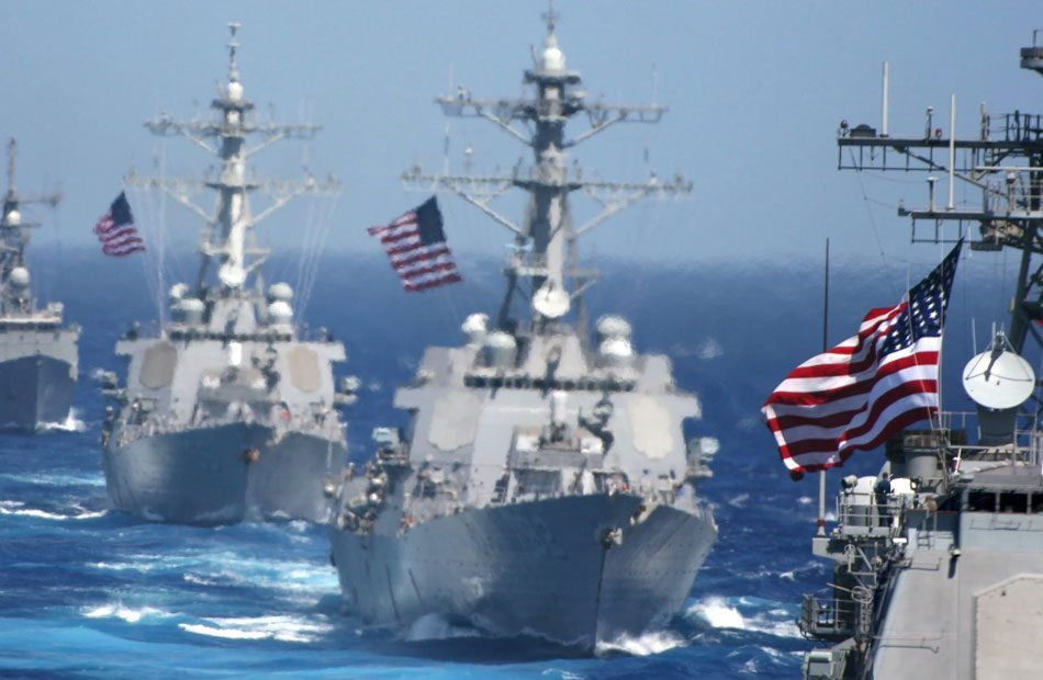بسبب-التوتر-مع-إيران-..-أمريكا-ترسل-سفنها-إلى-هرمز-نحو-الخليج.jpg