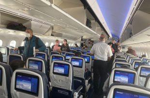 سري--كورونا-يصيب-عشرات-الطيارين-والمضيفات-في-مصر-للطيران.jpg