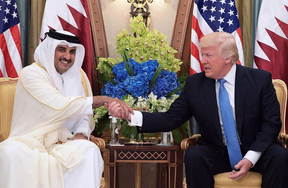 """في اتصال هاتفي .. ترامب يطلب من أمير قطر """"اتخاذ إجراءات لحل الأزمة الخليجية"""""""