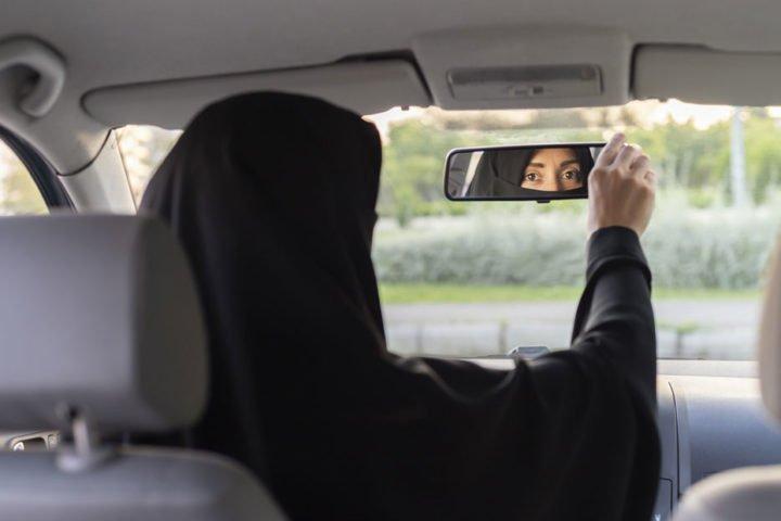 """""""الحيوانات"""" هكذا تسمي أميرات السعودية الخدم والمساعدين! تفاصيل مروعة تكشفها مساعدة سابقة"""