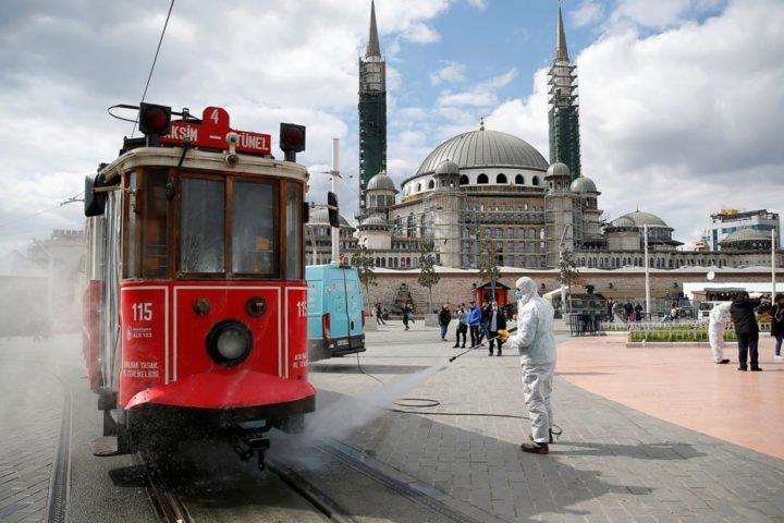 بدأت-التعافي-من-كورونا-..-تركيا-ترفع-القيود-تدريجيًا-خلال-مايو-الجاري
