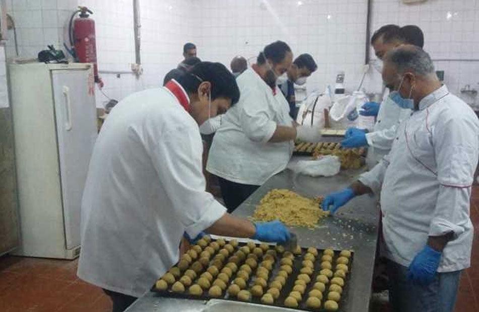 """جامعة مصرية تدخل سوق المنافسة ليس في علاج كورونا بل """"كعك العيد"""""""