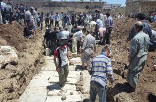 مجزرة الحولة .. 8 سنوات على المذبحة الأكثر وحشية في سوريا والمجرم لا يزال حرا