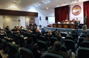 برلمان طبرق يرفض انقلاب حفتر ويصعب الأمور على جنرال الهزائم
