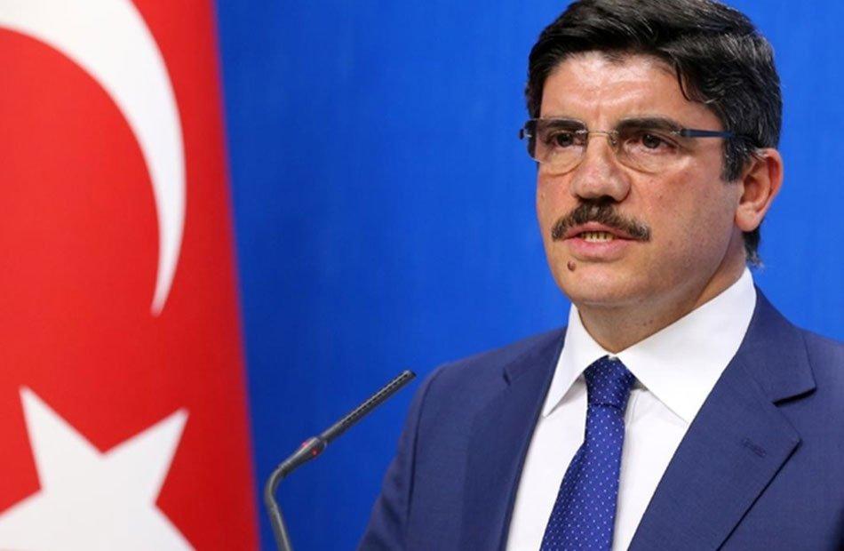 """""""إكرام الميت دفنه"""" .. تعليق ساخر من مستشار أردوغان على لقاء السيسي وحفتر"""