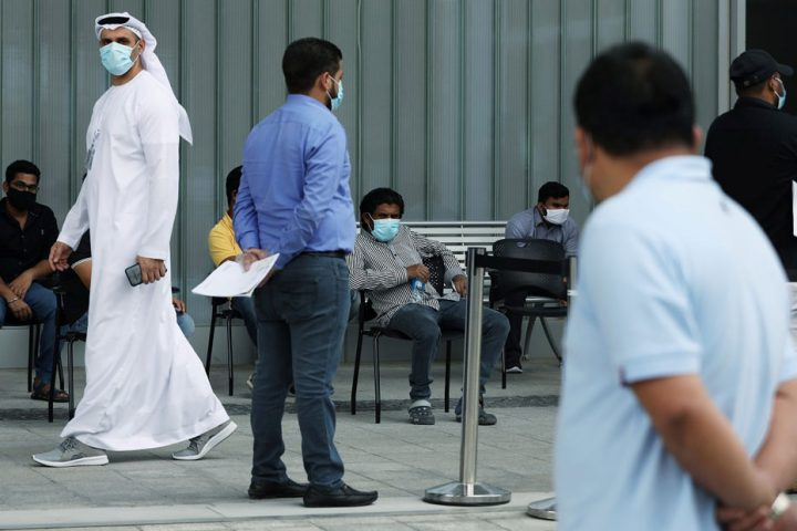 """""""كورونا"""" يغلق الإمارات .. بريطانيو دبي يبيعون مقتنياتهم لتدبير ثمن العودة لبلادهم"""