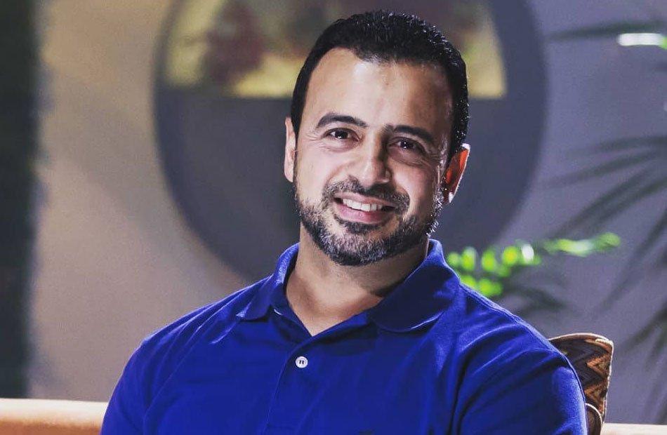 بلاغ للنائب العام ضد الداعية مصطفى حسني بتهمة عدم دعم السيسي!