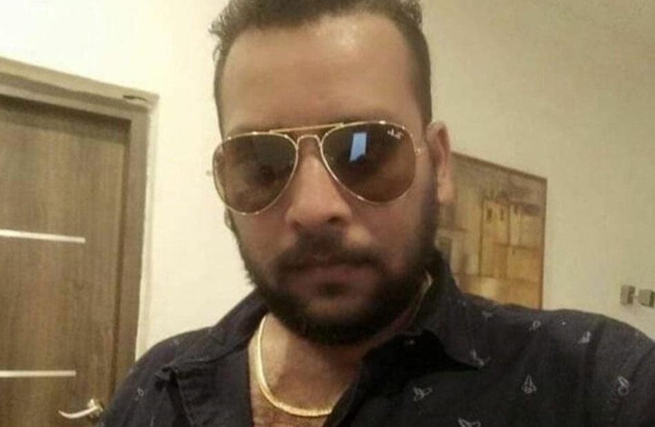 """الإمارات أرض خصبة للاحتيال .. هندي ينصب على 40 تاجرًا ويفر في """"رحلة إنسانية"""" من أبو ظبي"""