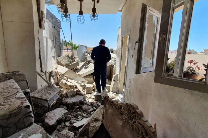 فيديو مسرب يفضح تورط ضباط إماراتيين في قصف المدنيين مع حفتر