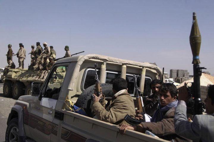 """بعد سيطرة """"الانتقالي"""" على """"حديبو"""" .. الحوثيون يعززون جبهات """"الحديدة"""""""